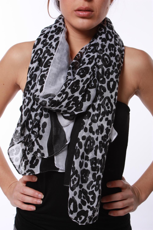 6295d5f0baa95 Foulard l茅opard zara,foulard leopard zara,echarpe leopard zara. Type : Maxi  foulard,imprim茅 l茅opard.Marque : ZaraCollection : AH 2009Couleur : 茅cru,